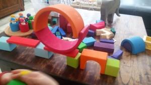 Geometrische blokken en middelgrote regenboog grimms