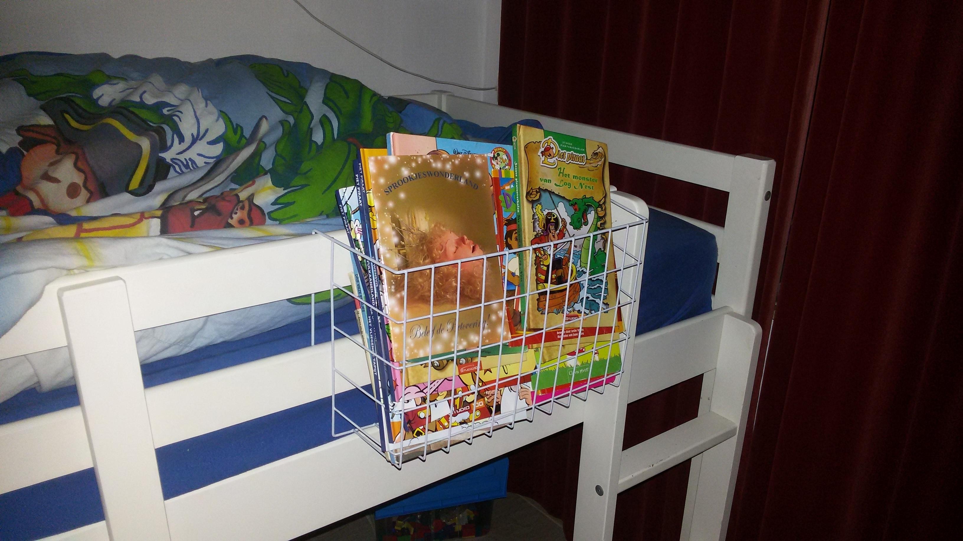 Boekenmandjes voor aan bed - Kaboutertuin
