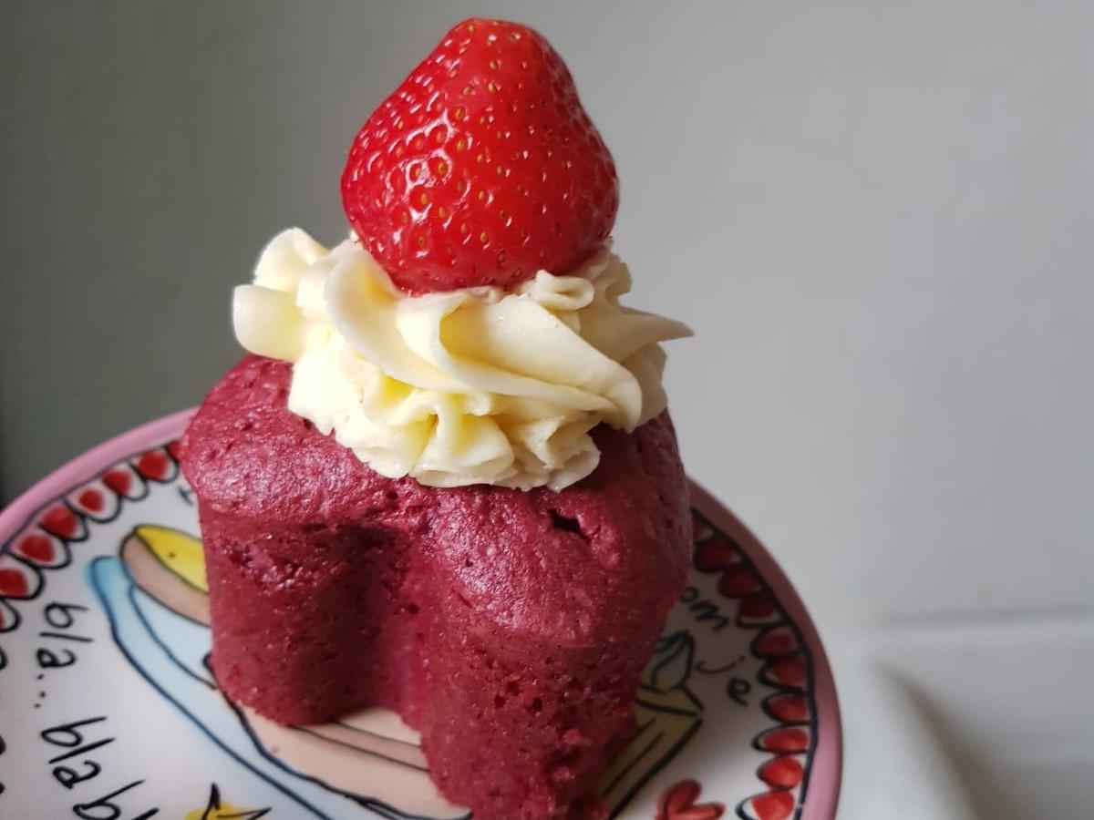 red velvet cupcake xenos glutenvrij en zuivelvrij